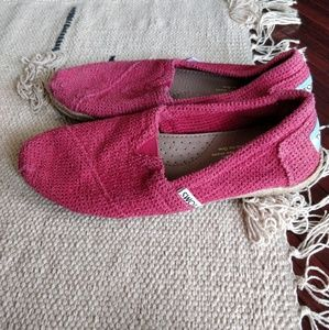 Toms Shoes - Toms Pink Red Net Woven Canvas Flats 5.5